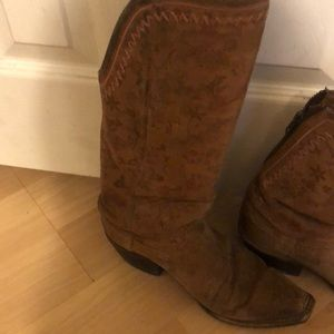 Size 6.5 Lucchase boots